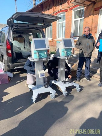 В інфекційне відділення житомирської лікарні №1 благодійники передали два апарати ШВЛ