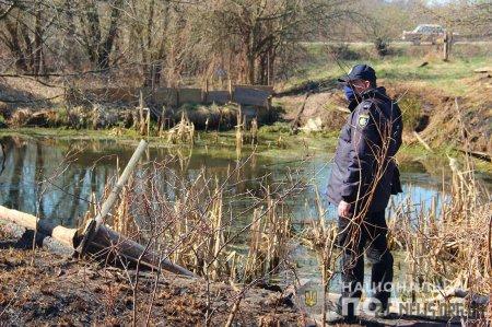 У Житомирському районі зниклого 2-річного хлопчика знайшли у водоймі поблизу будинку
