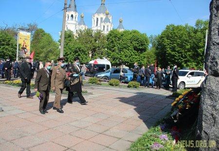 Незважаючи на карантин житомиряни прийшли вшанувати пам'ять загиблих у Другій світовій війні