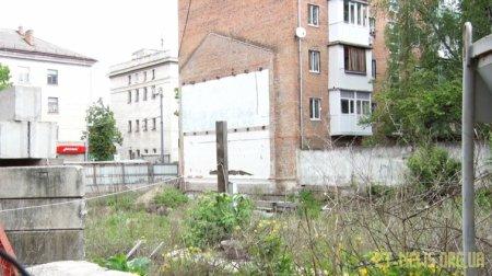 Будинок на Київській, 50 руйнується через будівельні роботи по сусідству