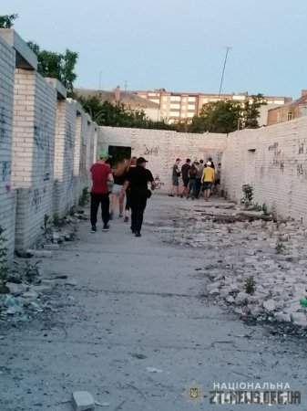 За добу профілактичних заходів поліції у Бердичеві припинено низку правопорушень і розшукано зниклого юнака
