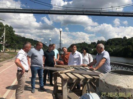 Сергій Сухомлин проінспектував хід виконання робіт на набережній річки Тетерів