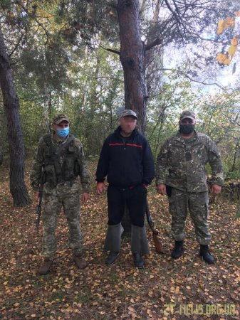 Незаконне полювання та вбитий лось - в зоні ЧАЕС затримано браконьєра