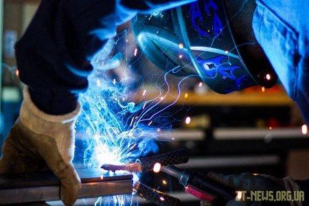 Магнит для сварки, нивелиры – каких  ещё помощников мастеру придумают производители?
