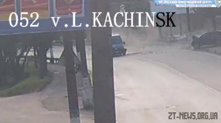 Камери відеоспостереження на Чуднівському мосту зафіксували подвійне ДТП