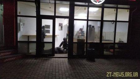 У Житомирі поліцейські охорони попередили крадіжку із магазина-пекарні