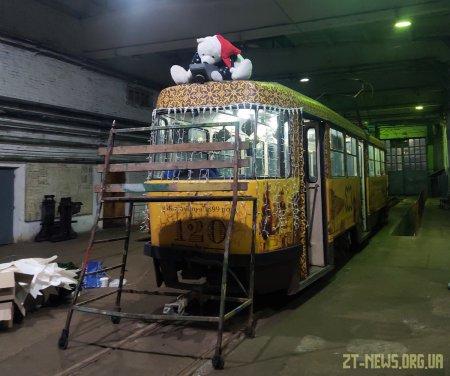 Вулицями Житомира курсуватиме святковий музичний трамвай