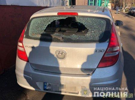 У Житомирі затримали чоловіка, який викрадав майно з автомобілів