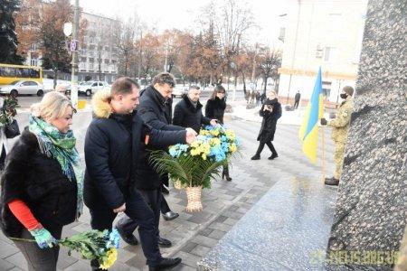 У День Соборності України в Житомирі вшанували пам'ять відомих українських діячів