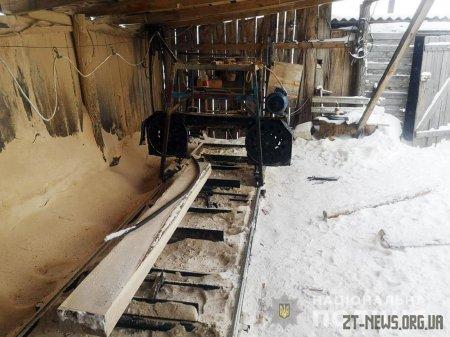 На Романівщині поліцейські завадили відновленню роботи незаконної лісопильні