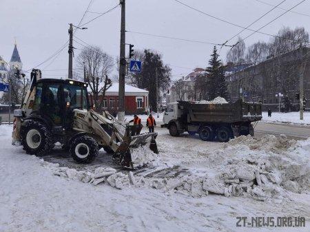 Комунальні служби у Житомирі вивезли близько 700 тонн снігу