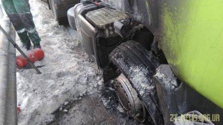 На Житомирщині на трасі загорівся бензовоз