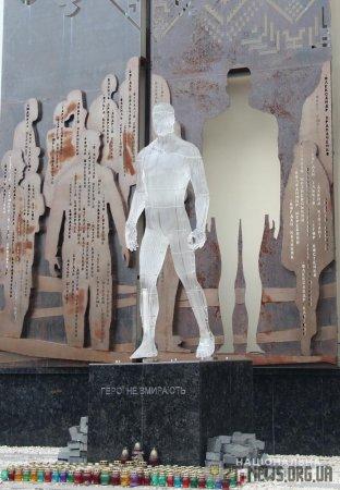 У Житомирі підозрюваному у пошкодженні пам'ятника Героям Небесної Сотні обрано запобіжний захід