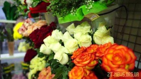Чому квіти з доставкою по Житомиру популярні та які вони мають переваги?