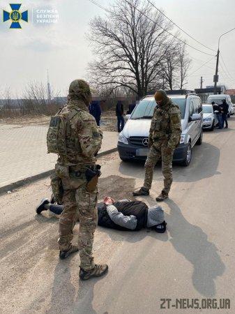 У Житомирі раніше засуджений переробляв стартові пістолети під стрільбу бойовими набоями