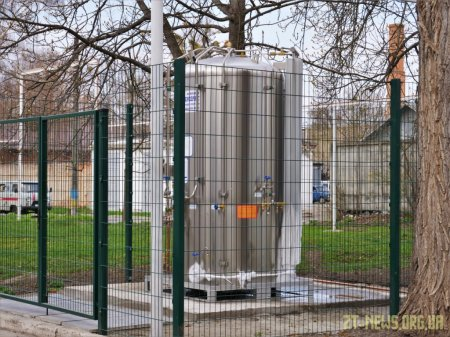 На території лікарні №1 встановили 2-тонний резервуар для рідкого кисню