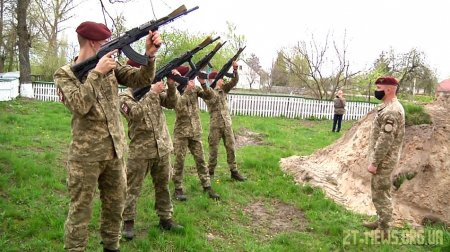 На Житомирщині перепоховали останки 100 воїнів, які загинули в Другій світовій війні