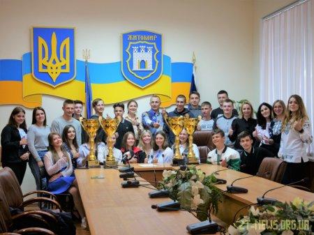 Житомирські спортсмени вибороли 4 Кубки України з веслування на човнах «Дракон»