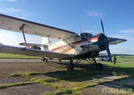 Прикордонники затримали літак, який незаконно залетів з Румунії та приземлився поблизу Бердичева