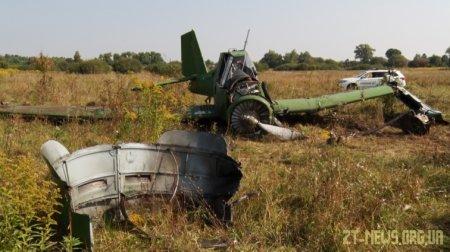 На Житомирщині впав легкомоторний літак: пілот у лікарні