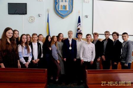 30 вихованців житомирських освітніх закладів отримали стипендії міського голови